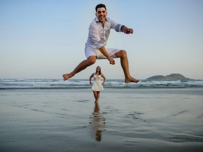 Ensaio Pre Casamento na Praia | Taynara e Leo