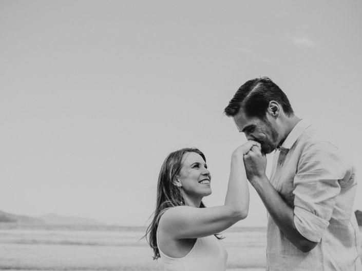 Ensaio Pré Casamento na praia de Ubatuba | Thaís e Luis